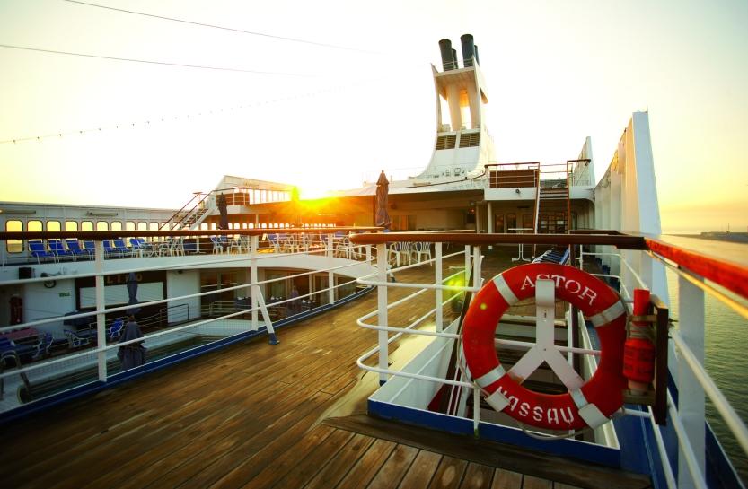 astor_deck_sunset_s_icc